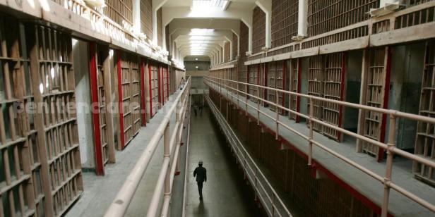 guvernul-transmite-catre-parlament-proiectul-legii-care-reduce-pedepsele-cu-inchisoarea-pe-motiv-de-conditii-improprii