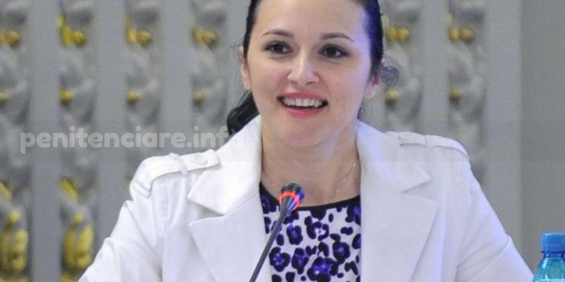 Alina Bica, condamnata la 3 ani si 6 luni de inchisoare cu executare