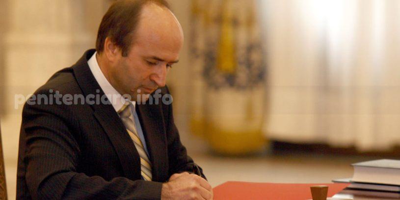 Ministerul Justitiei cere amanarea discutarii legii gratierii