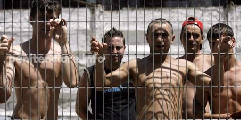 Video   Unii inca se mira ca detinutii care au sarit la bataie in vara au incasat-o