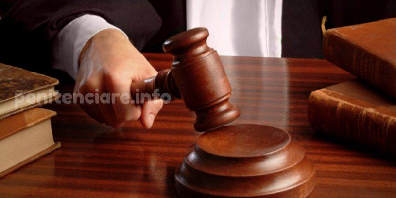 Detinutul care a atacat o judecatoare, condamnat