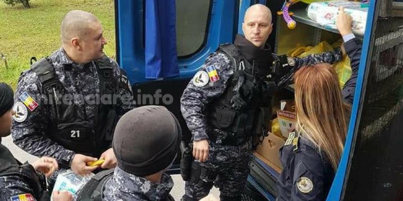 Penitenciarul Iasi: Mascatii doneaza alimente pentru copiii din spital