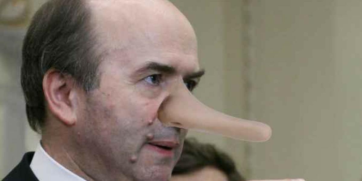 Ministul Tudorel Toader minte patologic
