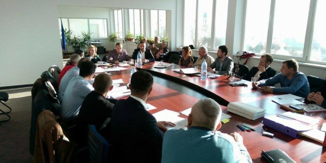 Practica abuziva a consiliilor de conducere ad-hoc