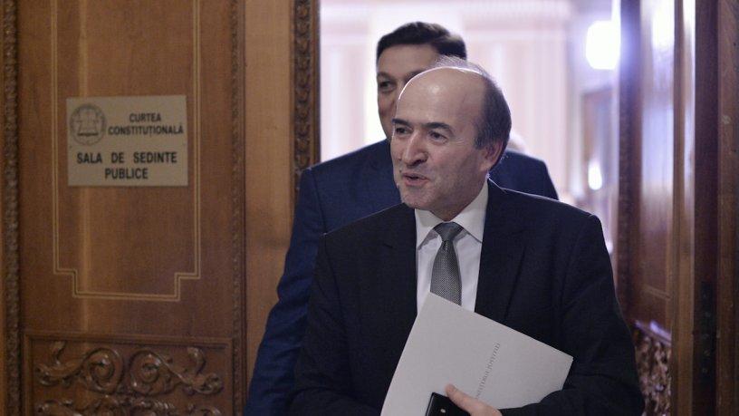 Cand ministrul confunda justitia cu politica de partid