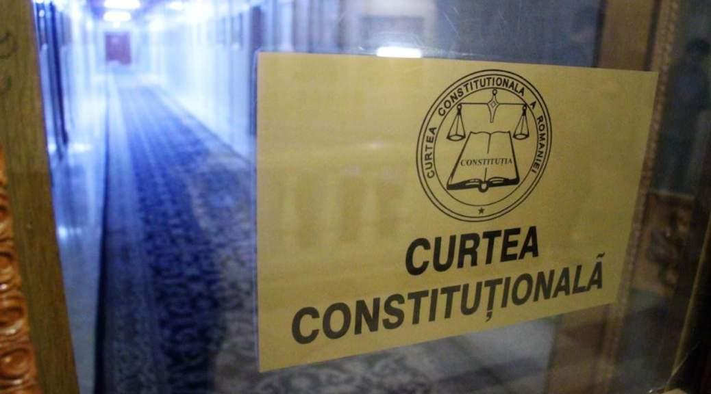 Ciuntirea pensiilor militare, la Curtea Constitutionala