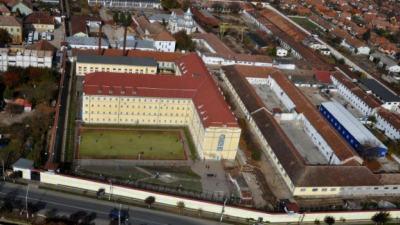 Penitenciarele din orase ar putea fi relocate