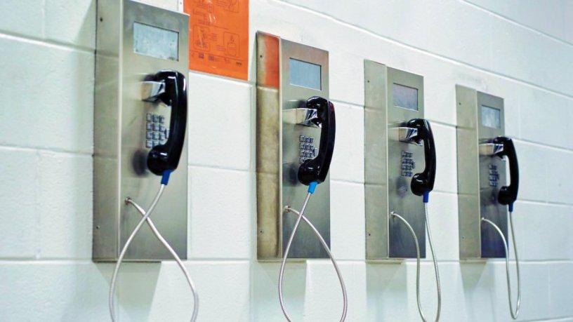 Procedura de selectie a operatorilor de telefonie din penitenciare modificata