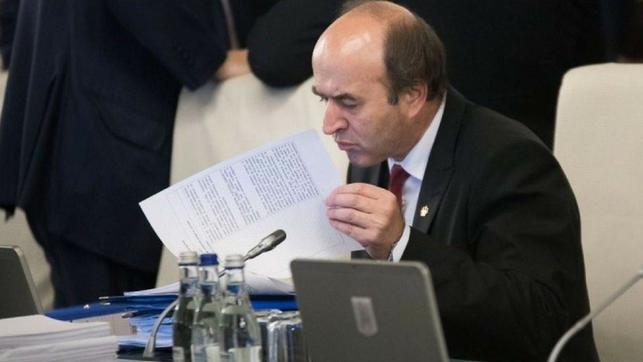 MASS-MEDIA: A doua plangere penala impotriva lui Tudorel Toader