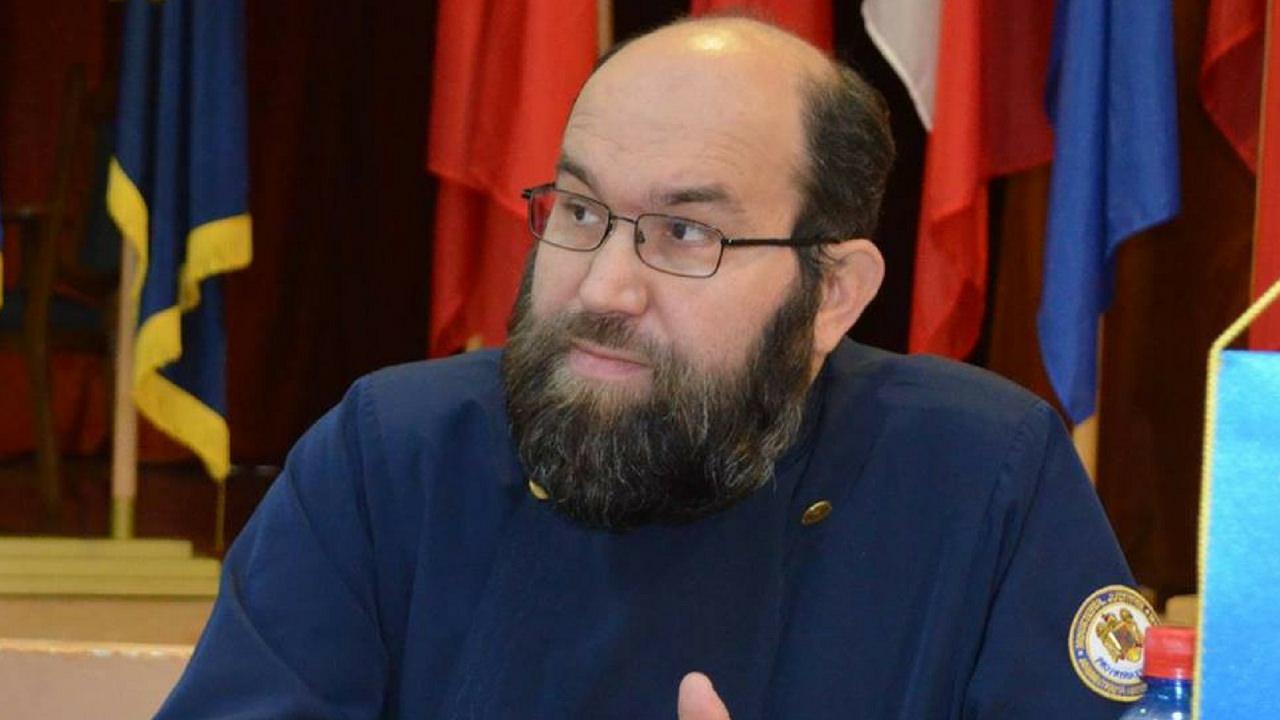 Preotul Florin Smarandi: Demnitate, curaj si onoare
