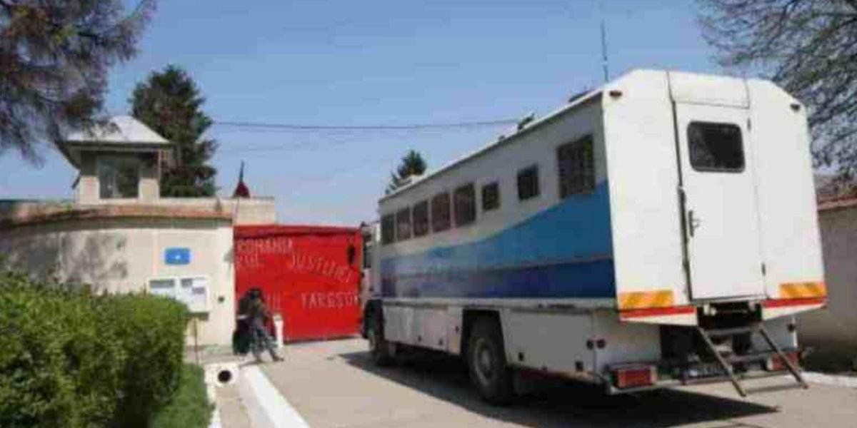 Frustrari si orgolii la Penitenciarul Targsor