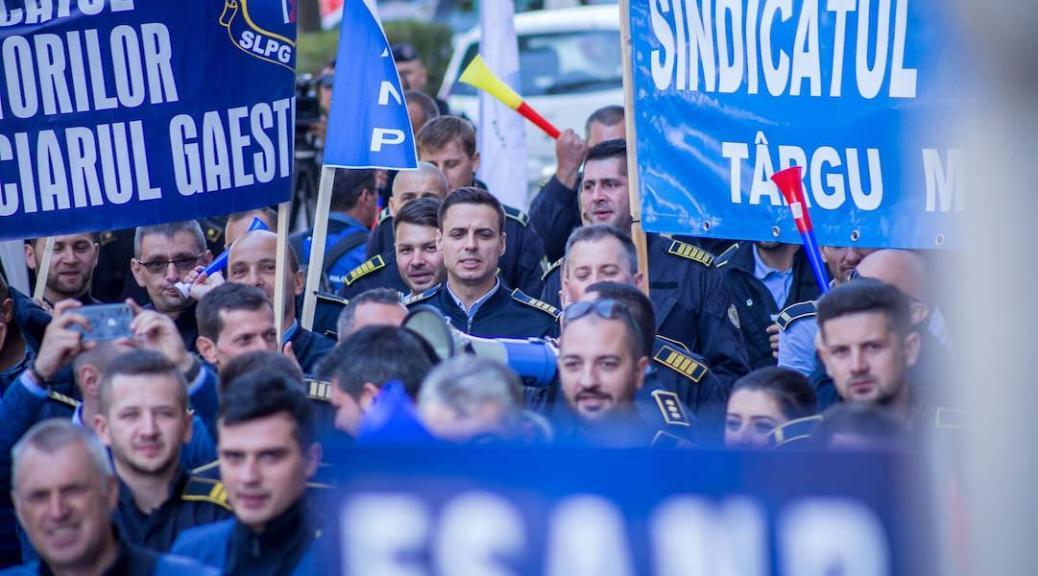 MASS-MEDIA | Proteste la Ministerul Justitiei