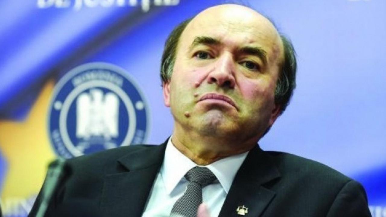 "Tudorel Toader urmeaza sa fie demis si din functia de rector al Universitatii ""Alexandru Ioan Cuza"" din Iasi"